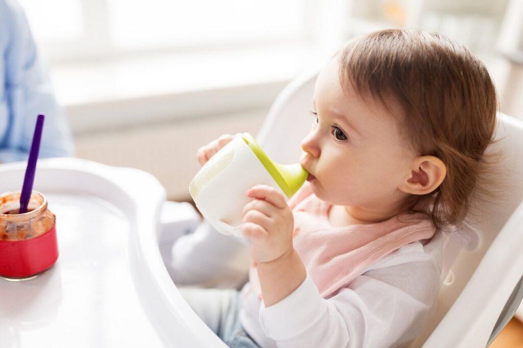 Cách pha sữa cho bé đảm bảo dinh dưỡng
