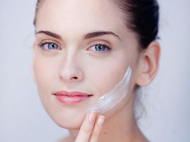 Dùng kem chống nắng trước hay sau kem dưỡng da
