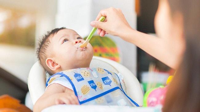 Thực đơn ăn dặm cho bé 8 tháng tuổi