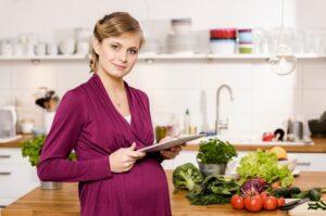mới có thai không nên ăn gì