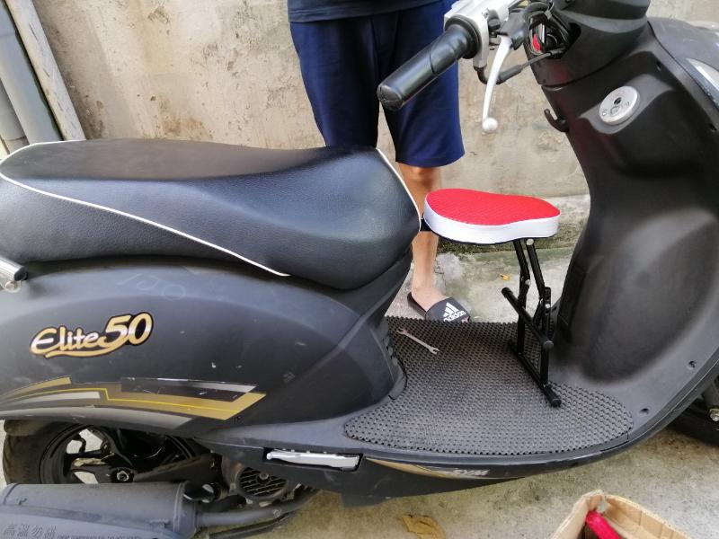 Ghế ngồi xe máy không tựa cho xe tay ga