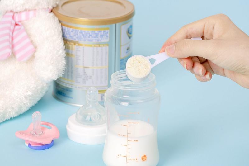 Thành phần cơ bản có trong sữa cho trẻ sơ sinh