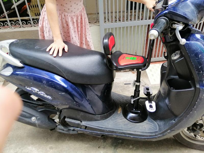 Ghế xe máy cho bé siêu gọn dễ điều chỉnh chiều cao
