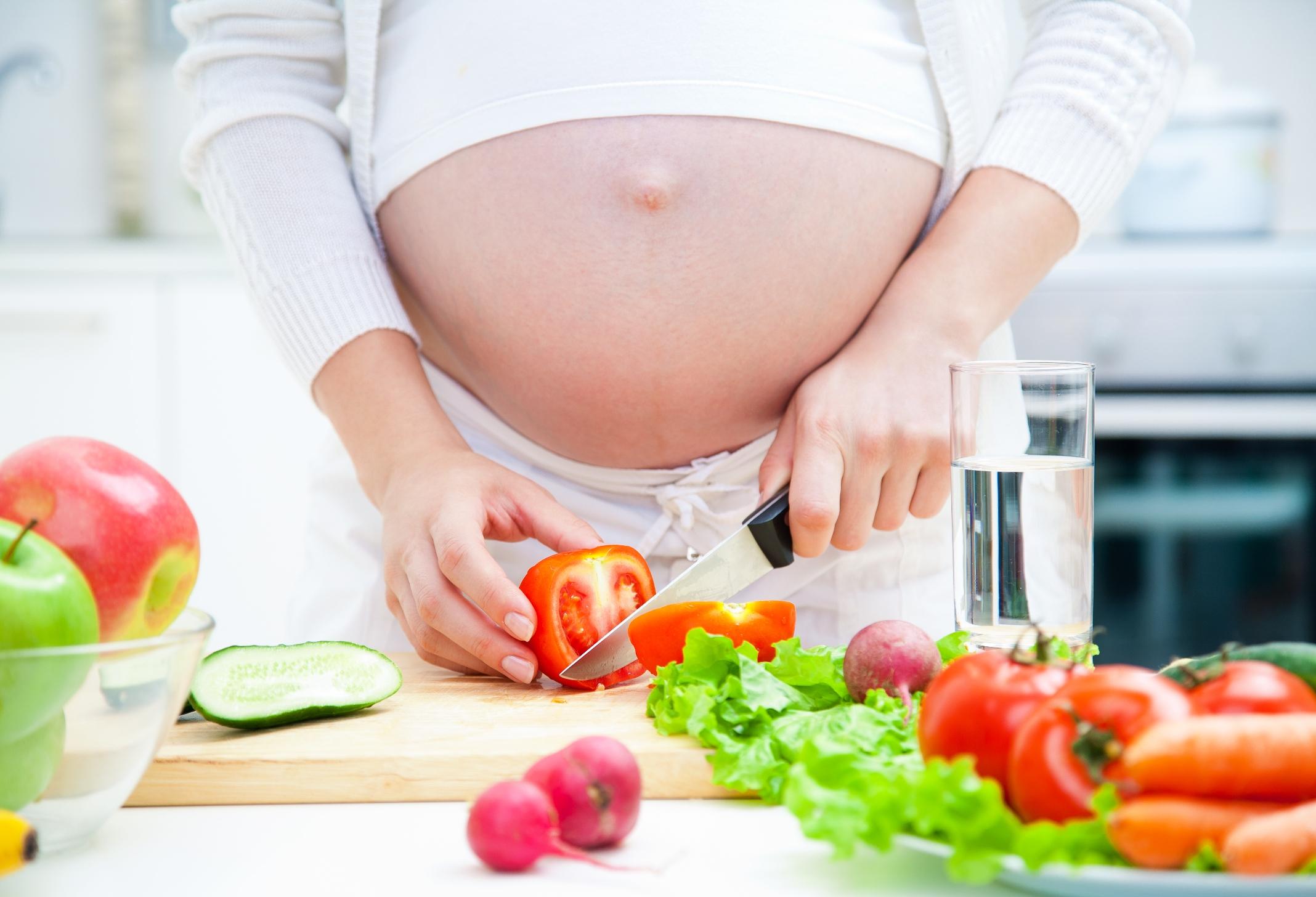 dinh dưỡng cho bà bầu 3 tháng đầu thai kỳ