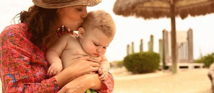 tắm nắng bổ sung vitamin d cho trẻ sơ sinh