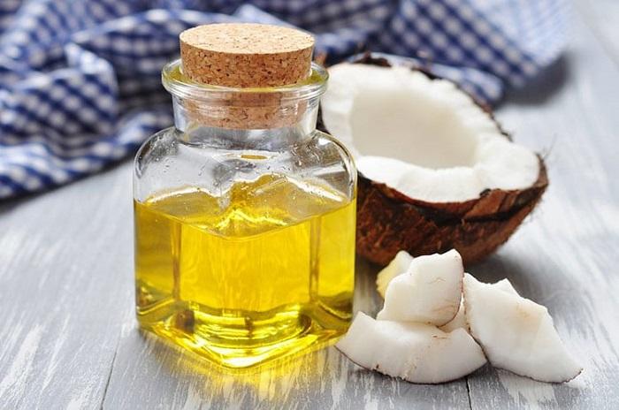 chăm sóc có thể sau sinh bằng dầu dừa