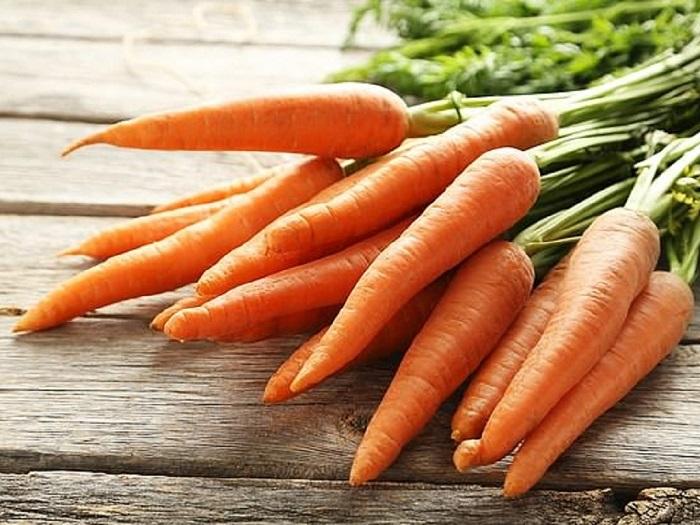 ăn cà rốt để sữa mẹ thơm và mát
